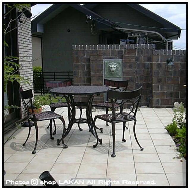 アルミ鋳物 ガーデンテーブル 屋外家具 全天候性 デシモベル タラバーテーブル 丸型